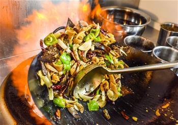 新疆:家鄉味道